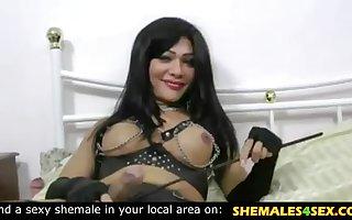 Beautiful tranny in latex fuck her slave